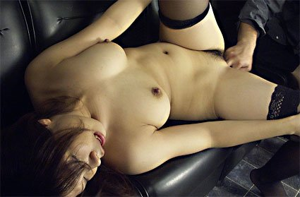 japanese bargirl gets fingered and fucked